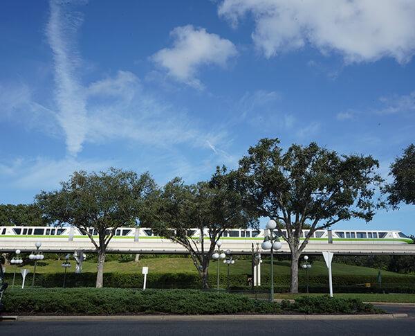 Disney World Monorail Green Epcot and Magic Kingdom