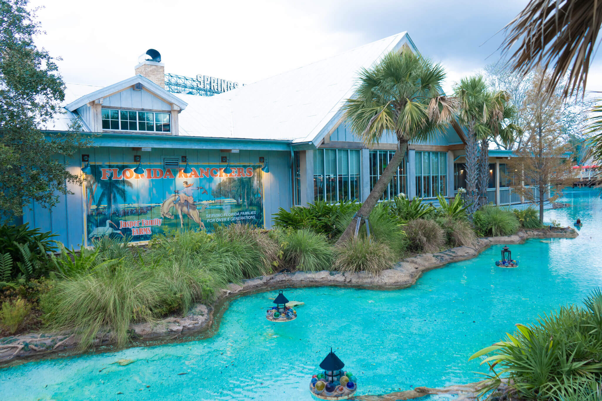 Homecomin' building with river at Disney Springs in Disney World
