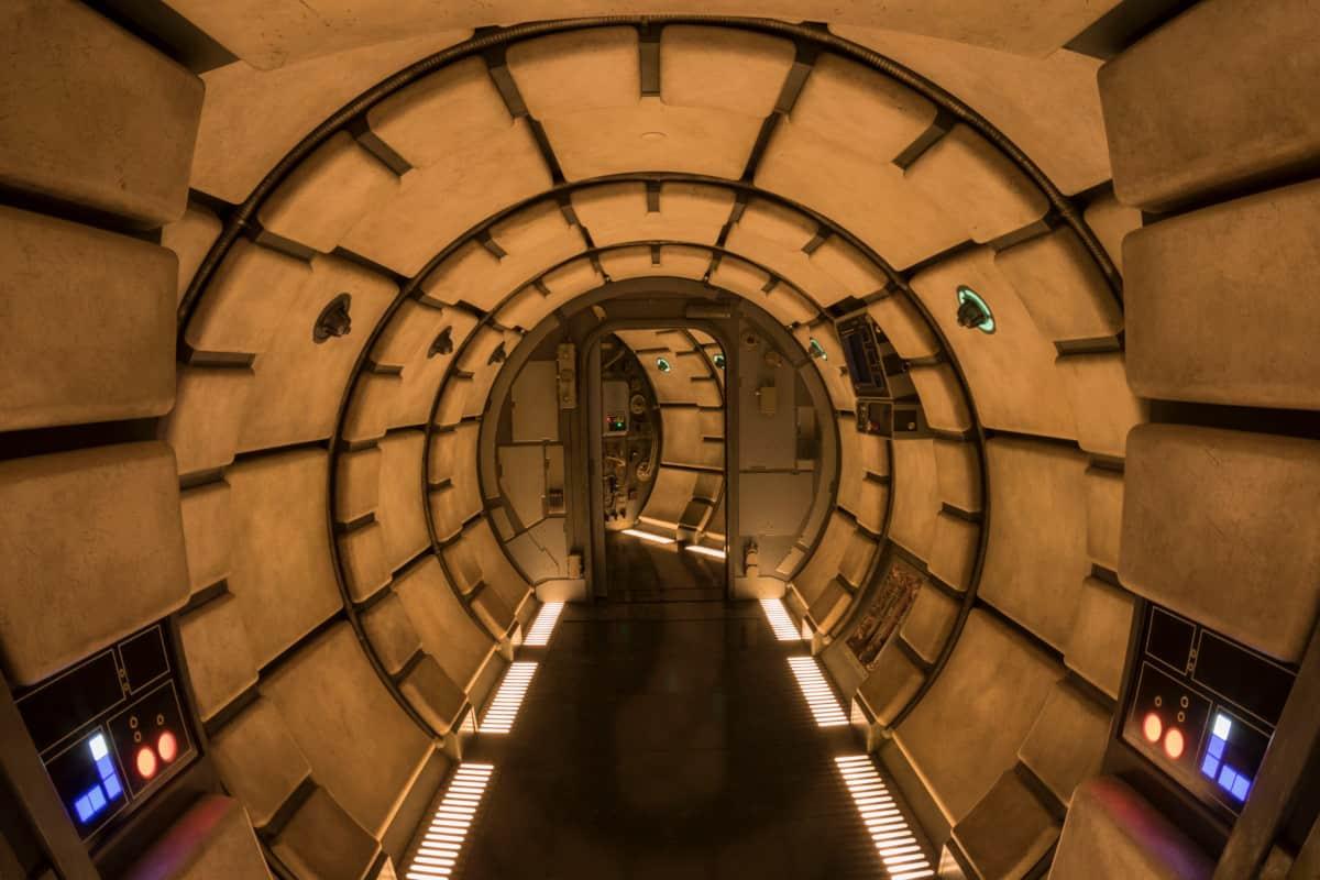 Millennium Falcon: Smugglers Run Iconic Hallway