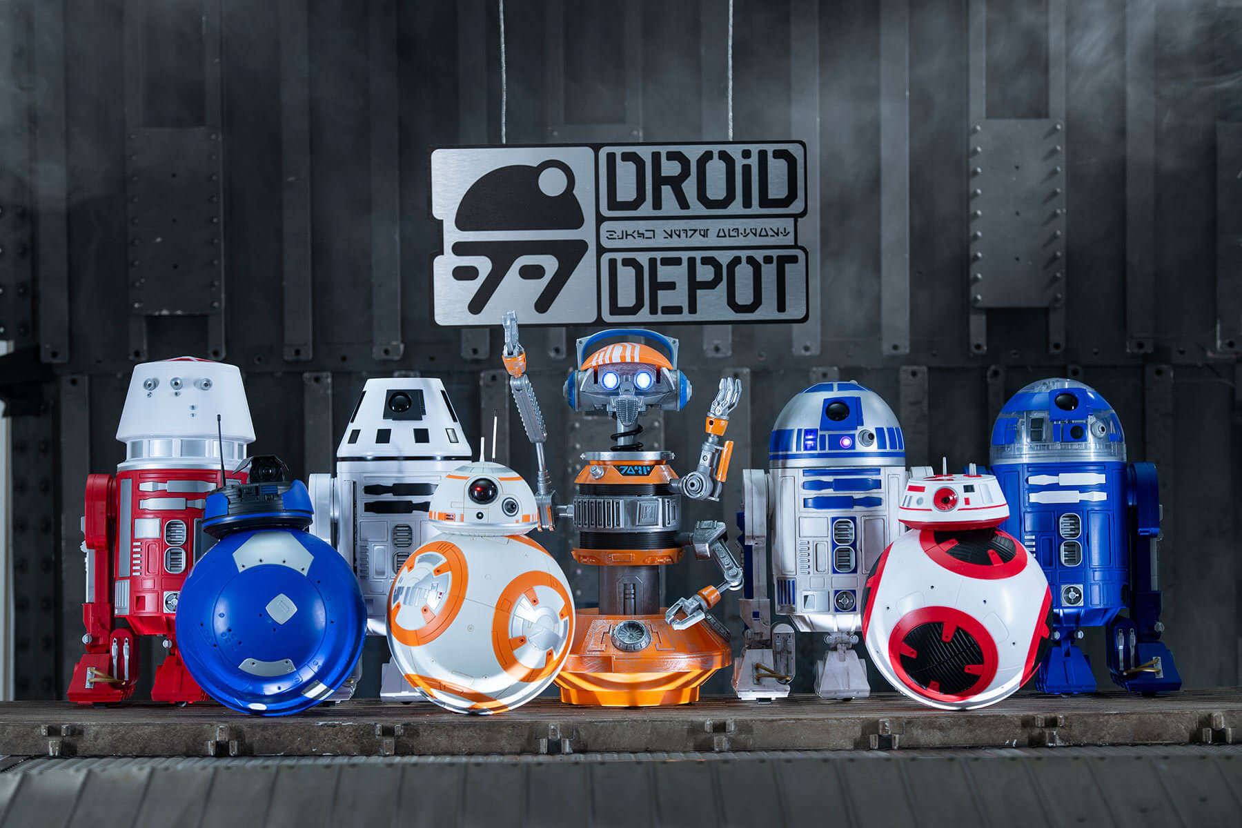 Droids from Mubo's Droid Depot in Star Wars Galaxys Edge