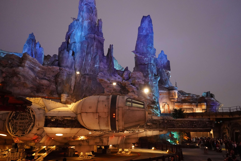 Millennium Falcon: Smugglers Run at night in Disneyland