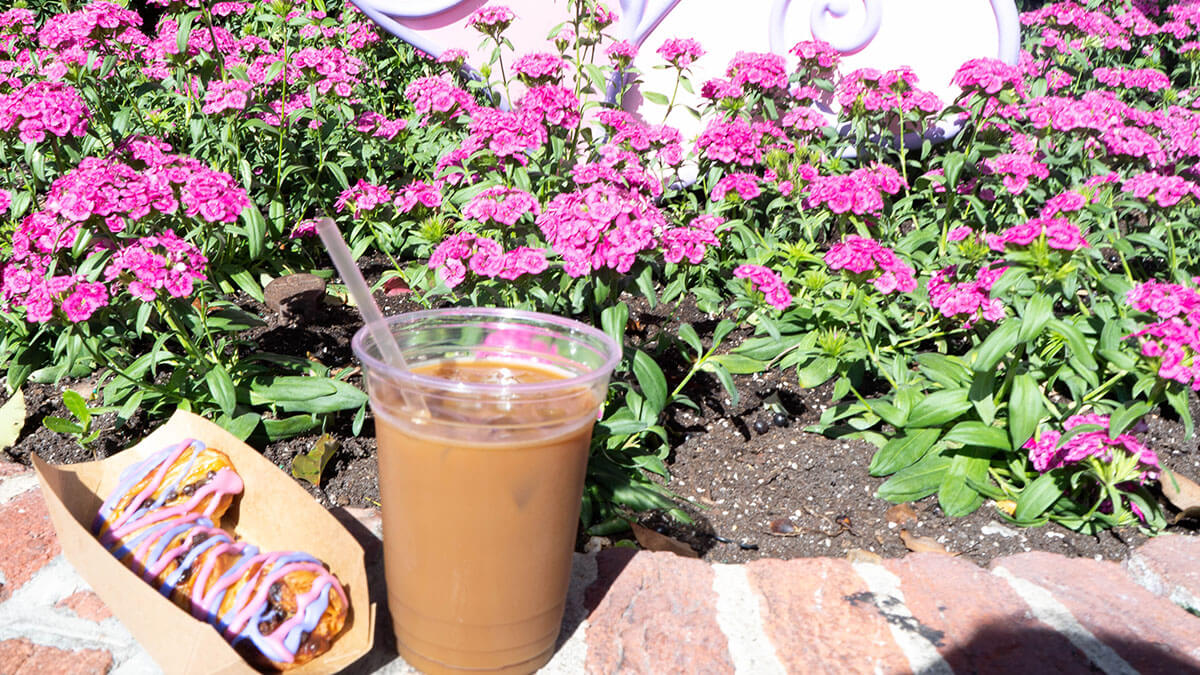Cheshire Cat Tail and iced coffee from Cheshire Cafe Cafe Magic Kingdom